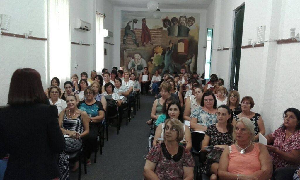 Curso La importancia de la imagen profesional brindado a funcionarios de las Escuelas del Hogar Febrero 2017