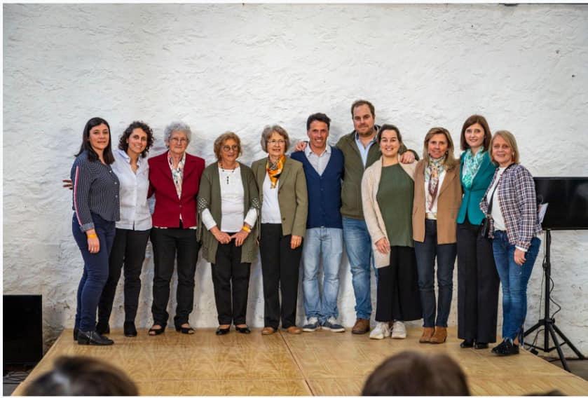 7° Concurso Nacional En Conchillas el Te se toma asi con los organizadores y demas integrantes del jurado Octubre 2019