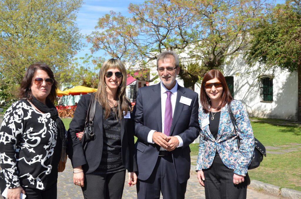 Con Directora de RRPP de la Intendencia de Flores Patricia Gutierrez Carlos Fuente Lafuente y la Directora de RRPP de la Intendencia de Flores en Colonia 2014