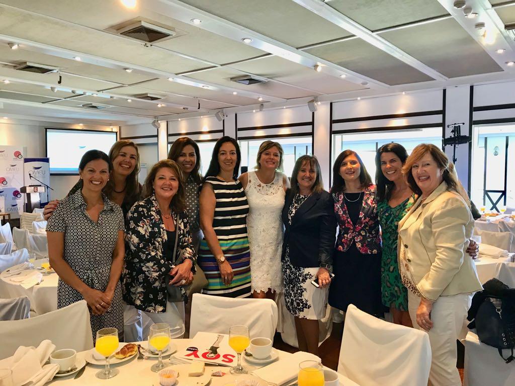 Con empresarias del Uruguay Desayuno OMEU Marzo 2018