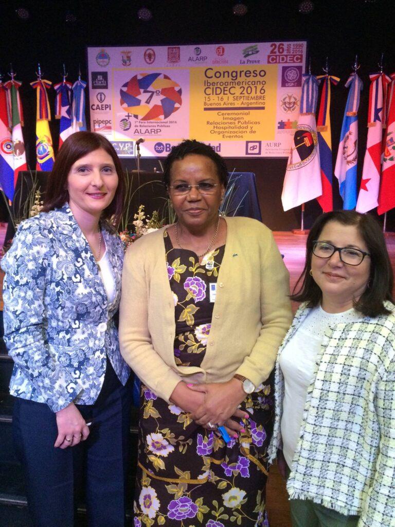 Con la Dra Ana Maria de Oliveira de Angola y Lourdes Madera de Uruguay en Buenos Aires 7a Congreso CIDEC 2016
