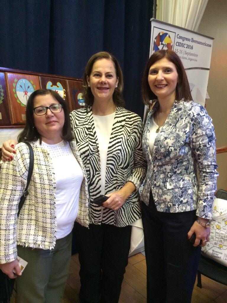 Con la Lic Dora Fafutis de Mexico y Lourdes Madera de Uruguay en Buenos Aires 7a Congreso CIDEC 2016
