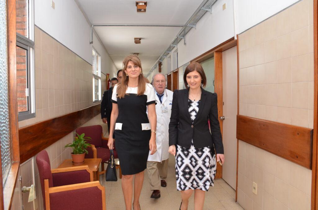 Con su Alteza Real Dina Mired Princesa de Jordania y Presidenta de la Unión Internacional contra el Cancer en su visita al Instituto Nacional