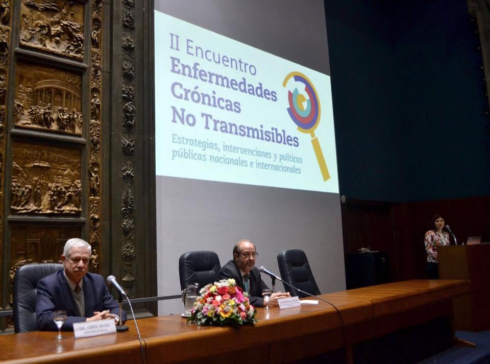 En el Congreso de Enfermedades no Transmisibles con el Sr. Ministro de Salud Publica. Jorge Basso 2016