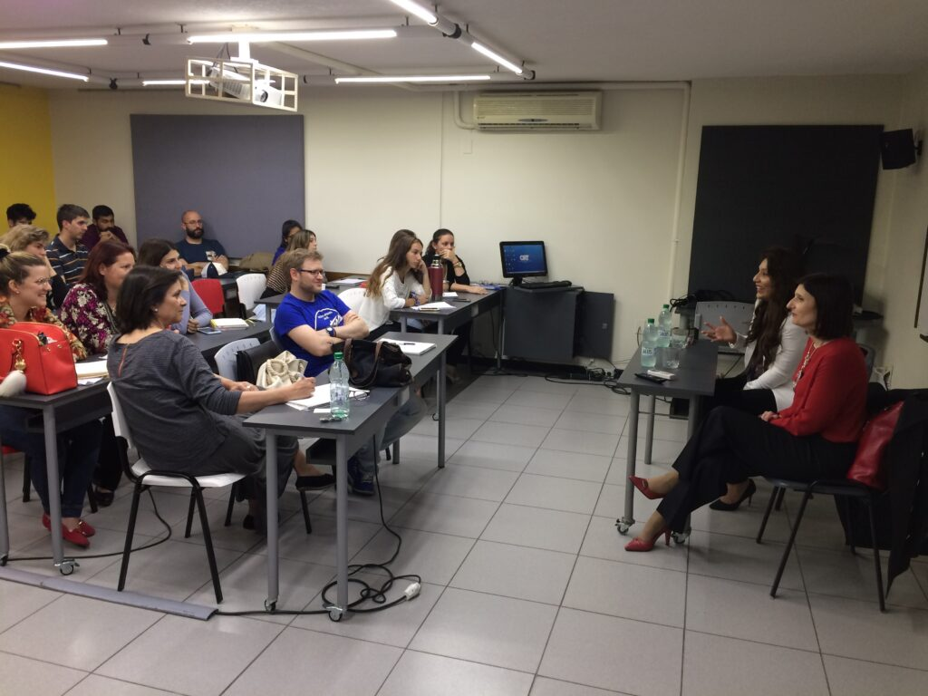 En la Universidad ORT junto a Cynthia Hellen destacada empresaria emprendedora de EEUU brindando una charla a estudiantes de como emprender. Noviembre 2017