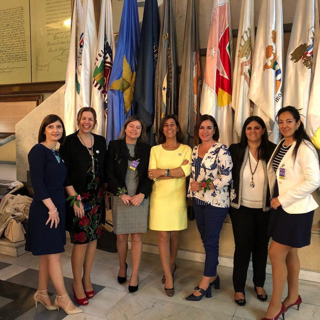 Encuentro de Mujeres de las Américas realizado en Chile Delegación de OMEU