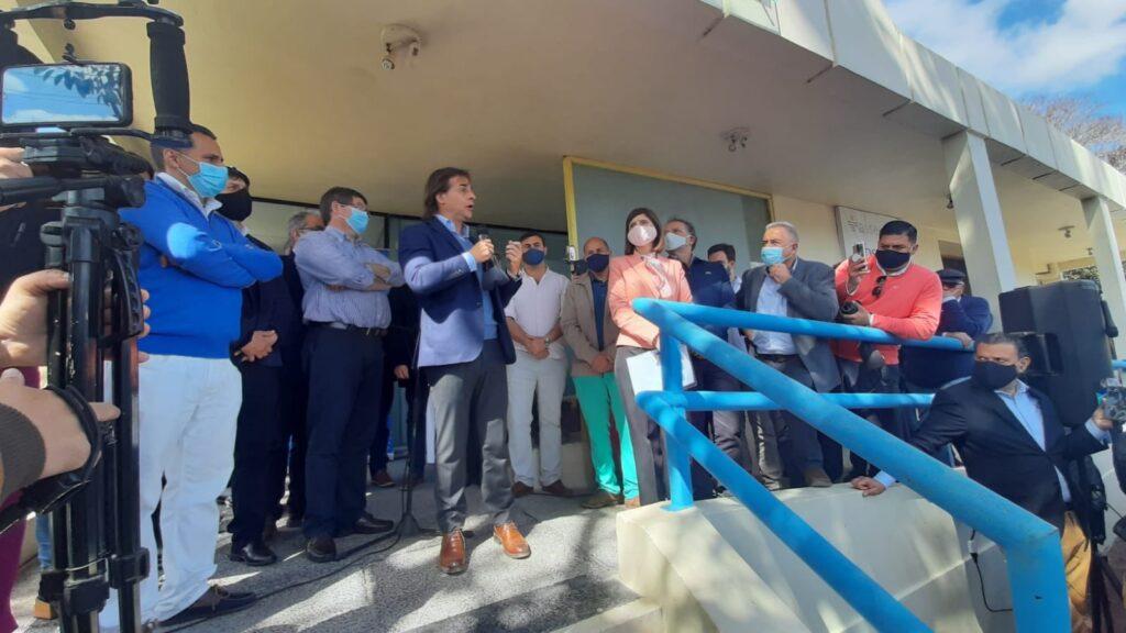 Entrega de ambulancia en el Hospital de Lascano Rocha con presencia del Sr. Presidente de la Republica 15 de septiembre 2020