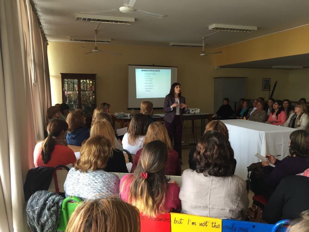 Curso Los eventos escenarios estratégicos de comunicación brindado a funcionarios de las Escuelas del Hogar Julio 2017