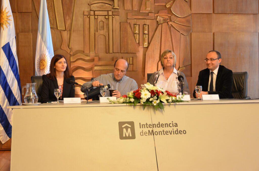 Jornada de Protocolo de Estado junto al Intendente de Montevideo Ing. Daniel Martinez la Ministra de Turismo Sra. Liliam Kechichian y el Sr. Alcalde Carlos Varela 2015
