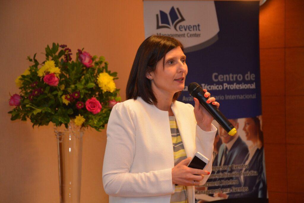 Jornadas Rioplatenses de Protocolo Oficial Empresarial y de Eventos se expuso sobre Que comunican los eventos, Noviembre 2017