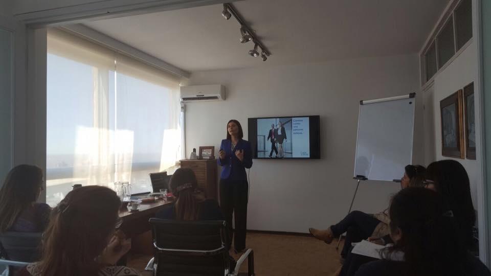 Las 10 reglas de imagen de una mujer ejecutiva realizada a funcionarios del estudio de Abogados Irrazabal Asociados Febrero 2017