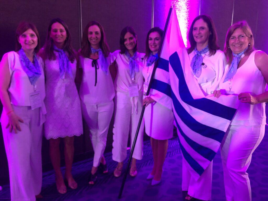 Presentación de la delegación de Uruguay en el Congreso Mundial de Mujeres Empresarias FCEM en Lima noviembre 2019