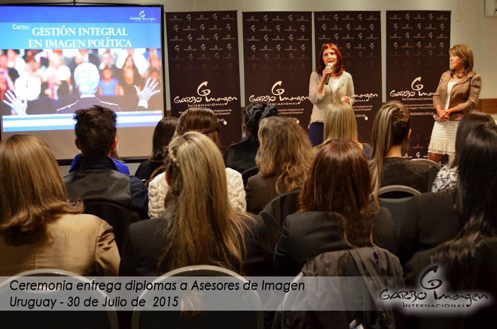 Presentación del Taller en Gestión Política en Ceremonia de Entrega de Diplomas Garbo 2015