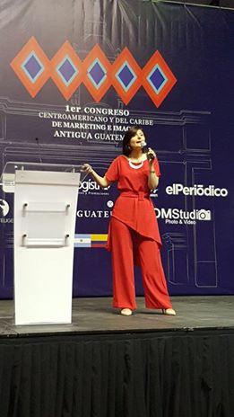 Primer Congreso Centroamericano y del Caribe de Marketing e Imagen Guatemala Exponiendo sobre Imagen Corporativa Agosto 2017