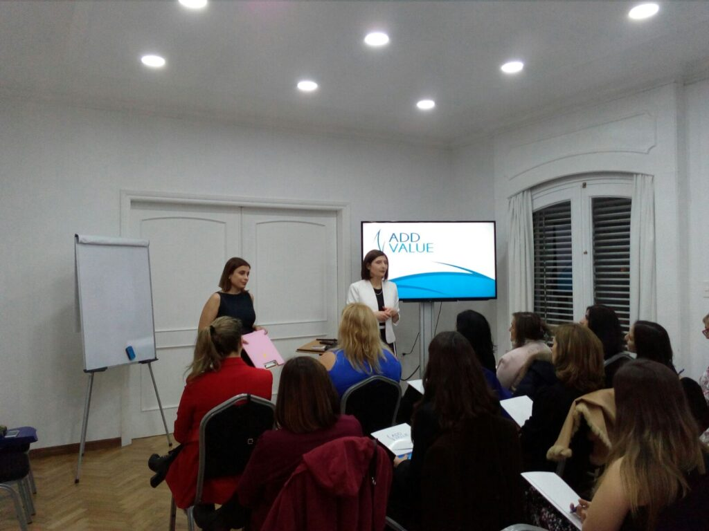 Primer día del Workshop El Poder de la Presencia de Alto Impacto que brindaron-la Mag. Luciana Andión y la Asesora de Imagen Alba Blustein Agosto 2018