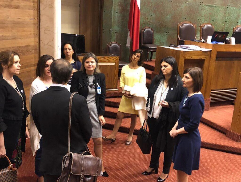 Reunión privada con la Ministra de la Mujer y Equidad de Genero Isabel Pla la subsecretaria Carolina Cuevas y el diputado Jaime Bellolio en el Congreso en la ciudad de Valparaíso. Chile