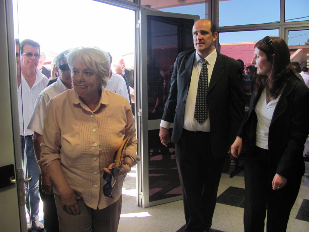 Visita al Hospital de Fray Bentos de la Senadora Lucia Topolansky 2012
