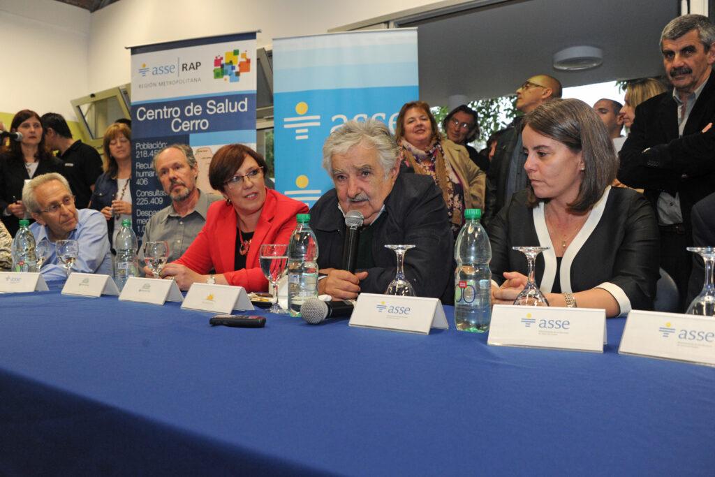 Presidente Sr. José Mujica inaugura el Banco de leche del Pereira Rossell 2013