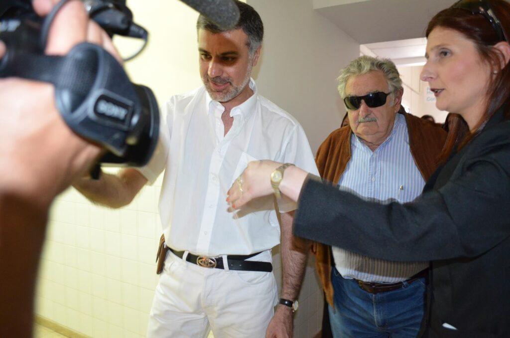 Visita del Presidente Sr. José Mujica al Hospital de Young 2013