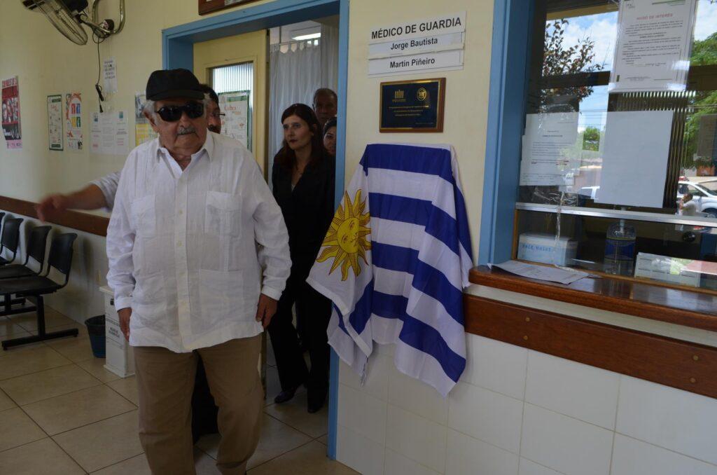 Presidente José Mujica de visita al Hospital de Artigas 2013